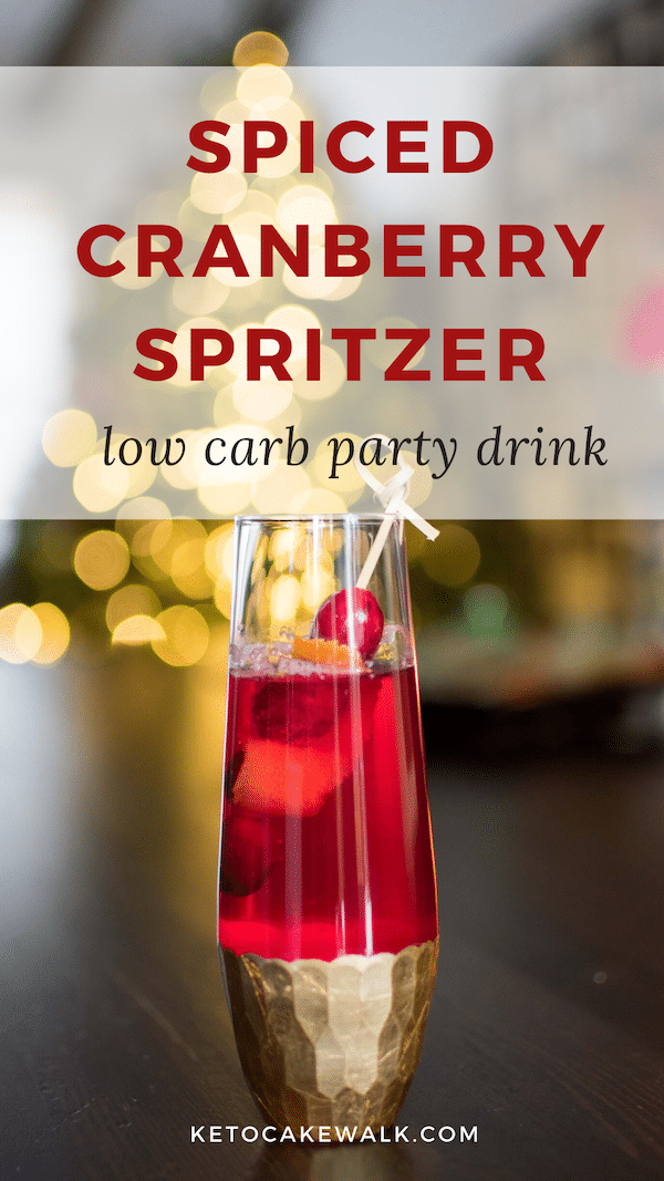 This low carb non-alcoholic cocktail is the perfect drink for those who want a healthy but fun alternative at holiday parties! #lowcarb #keto #drinks #nonalcoholic #cocktail #holiday